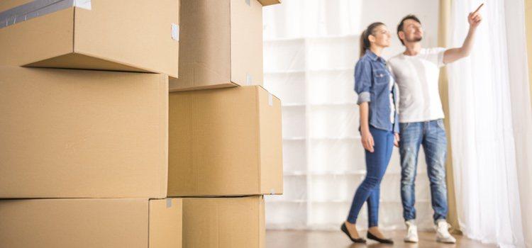 Dos de los principios que se deben mantener en la convivencia en pareja es la igualdad en las tareas domésticas y el pago de los alquileres o la hipoteca