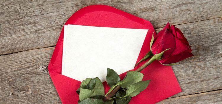 Si tu amor vive lejos seguro que le hace ilusión recibir una carta de amor