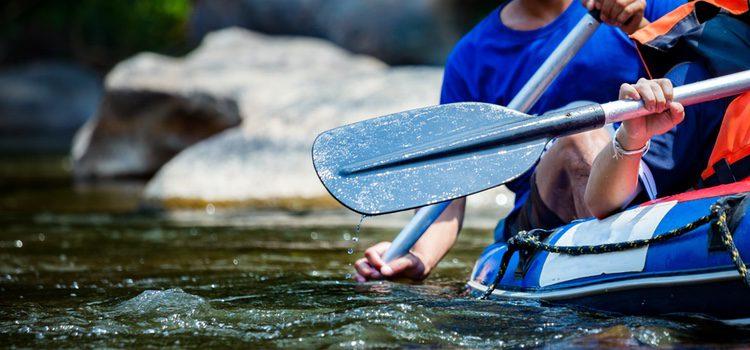 Si los dos amáis el agua, probad a hacer rafting. ¡No os arrepentiréis!