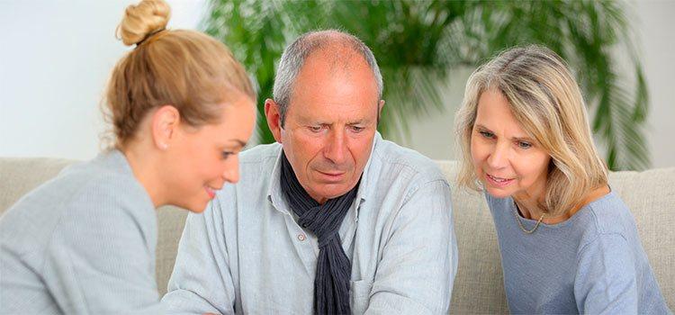 Para mantener una relación cordial con tus suegros lo mejor es conocer sus gustos, sus aficiones y lo que es más afín a ellos