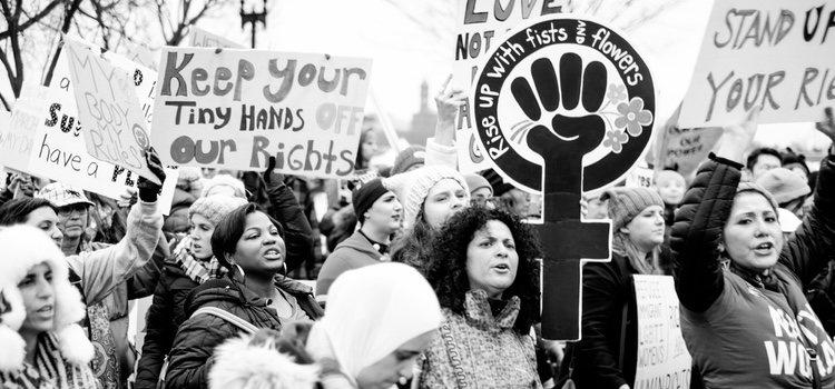El feminismo surgió en el siglo XVIII para acabar con la opresión a las mujeres