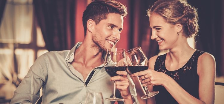 Una cata de vino o una cena en un restaurante le sorprenderá
