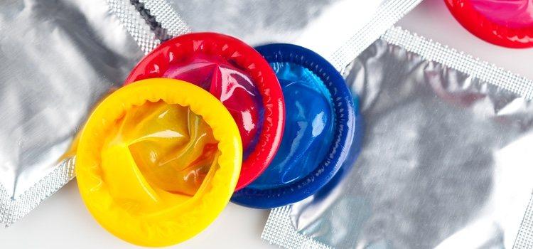Usar preservativo previene de enfermedades de transmisión sexual, otra causa del sangrado vaginal anormal