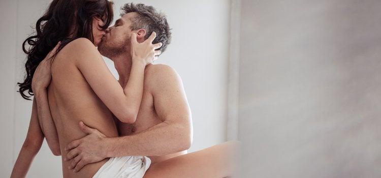 Un simple beso puede desatar la pasión