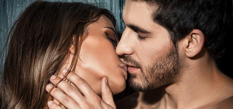 Es muy importante seguir besando durante la relación sexual para denotar la pasión