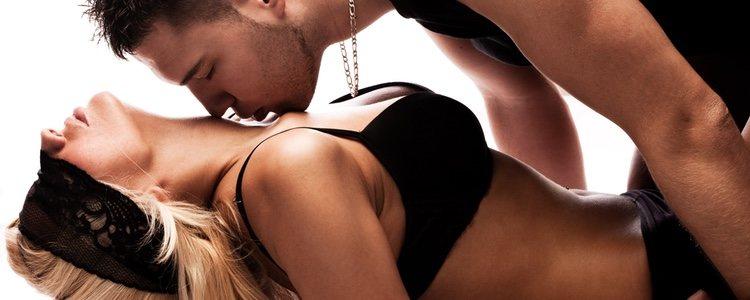 El bondage utiliza elementos como los antifaces o las esposas