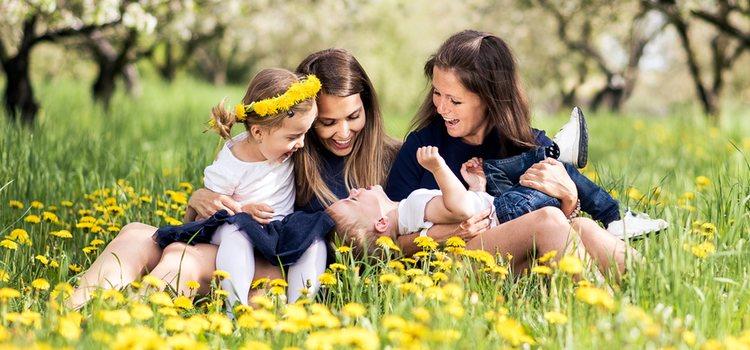 Ser hijo de padres homosexuales no causa ningún problema en el desarrollo del niño