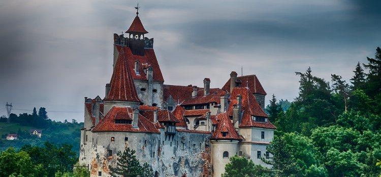 El Castillo de Drácula es el protagonista de muchas de las historias en la noche de Halloween.