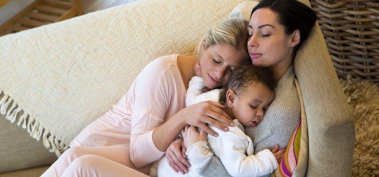 Las mujeres con problemas médicos o las parejas homosexuales recurren a tipo de maternidad