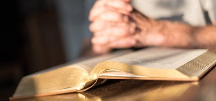 Comprender la decisión de tu pareja y respetar su religión es necesario