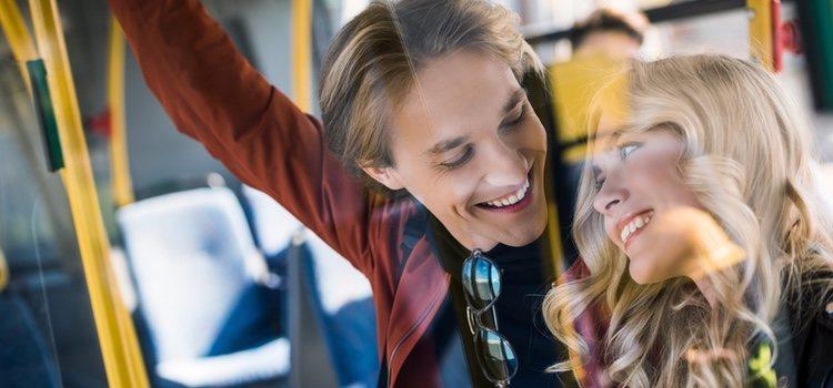 Una de las fantasías eróticas más recurrentes es mantener relaciones en transportes públicos