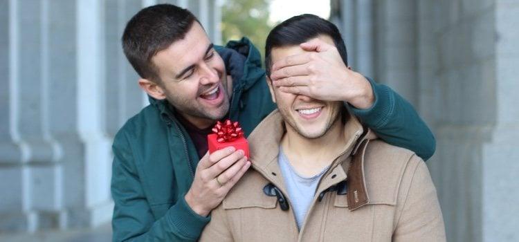 Haz que tu pareja se quede sin palabras cuando abra sus regalos
