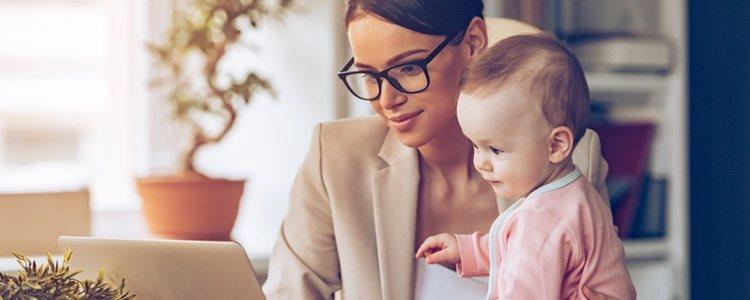 El querer ser madre o ya serlo influye a la hora de encontrar un puesto laboral