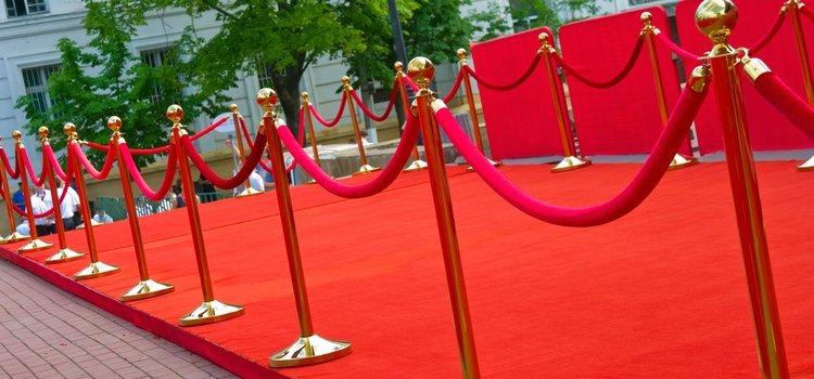 Si eres un cinéfilo, recuerda la alfombra roja para brillar como una auténtica estrella