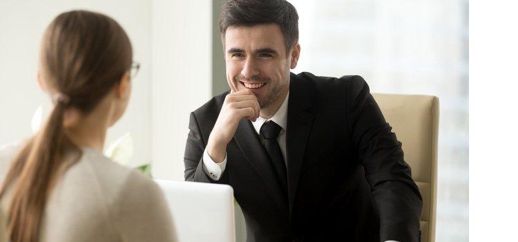 Liarte con tu jefe puede llevarte a tener problemas con tus compañeros