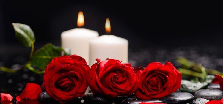 Con unas velas aromáticas y unas rosas siempre se acierta