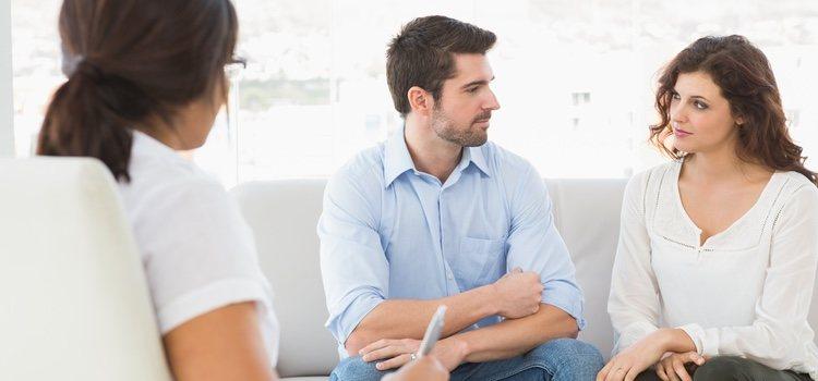 Si lo necesitáis podéis acudir a terapia de pareja postparto