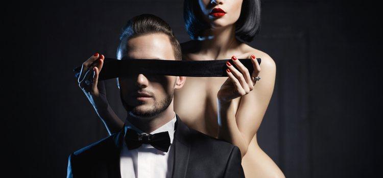 Los juegos de rol son aquellos en los que se interpreta un papel durante el encuentro sexual, ya sea con o sin disfraz