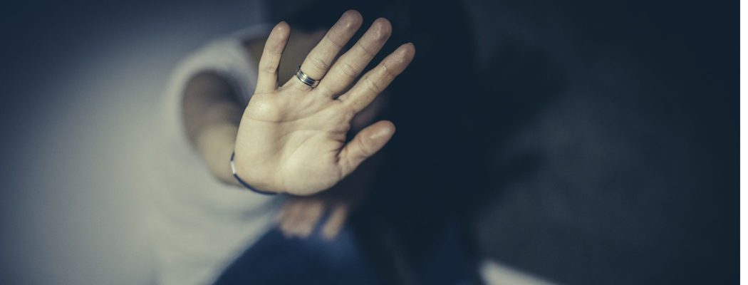 Cómo ayudar a una mujer maltratada por su pareja