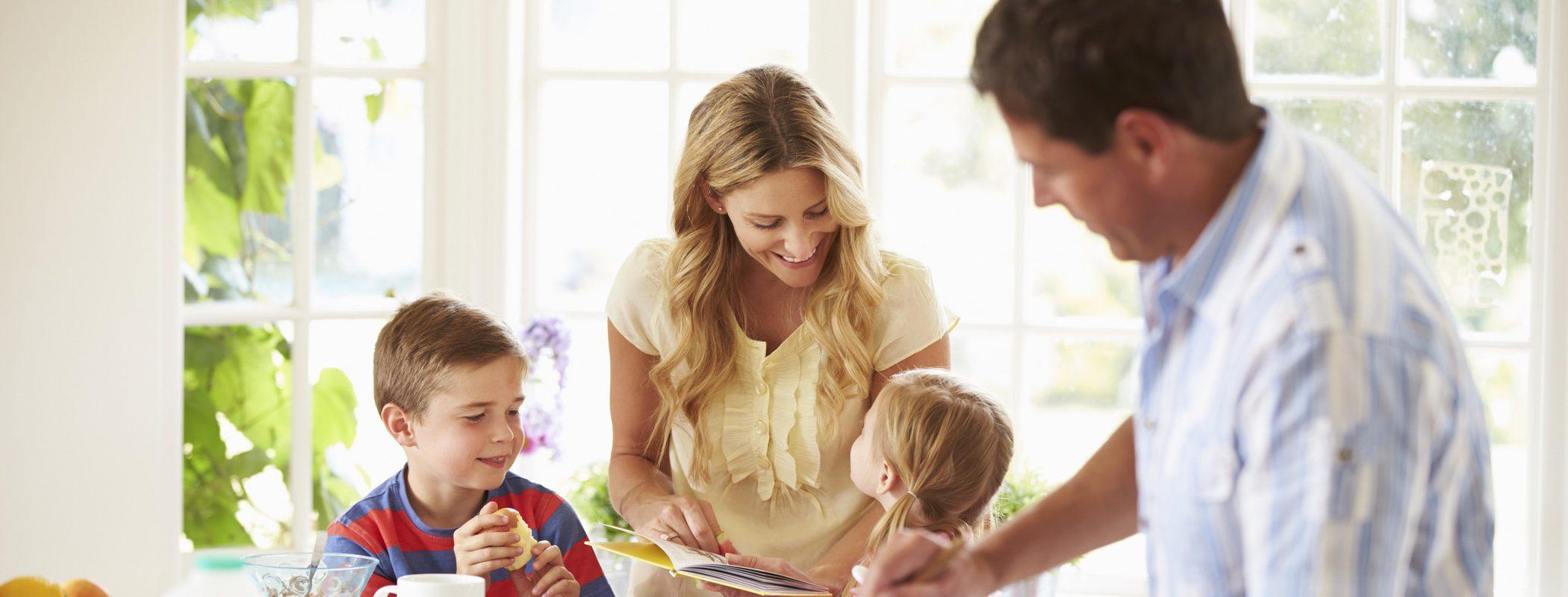 4 consejos para conseguir que tus hijos se lleven bien con tu pareja actual