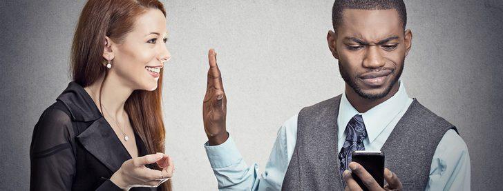 Phubbing: un problema que podría acabar con tu relación de pareja
