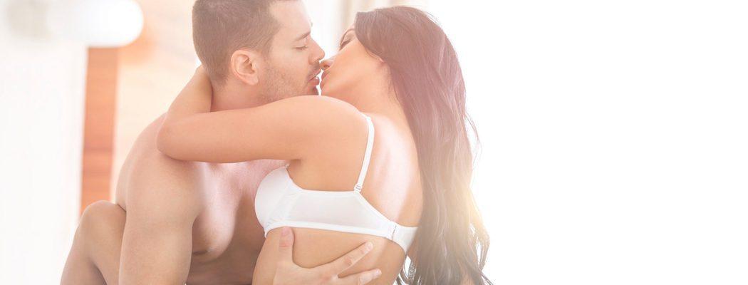 Riesgos del beso blanco: ¿qué es y por qué puede ser peligroso para la salud?
