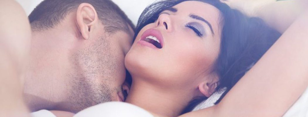 Mi pareja tiene el pene muy grande y me da miedo: ¿Qué puedo hacer?