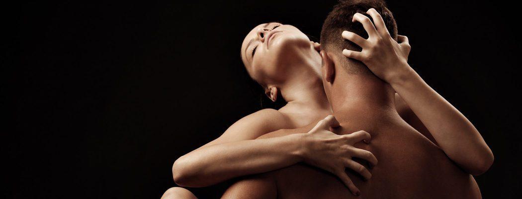 Beso negro: qué es y cómo practicarlo