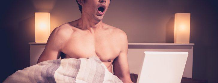 Mi compañero de piso me ha pillado masturbándome: ¿Qué puedo hacer?
