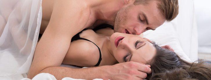 Posturas sexuales del Kamasutra: postura del columpio
