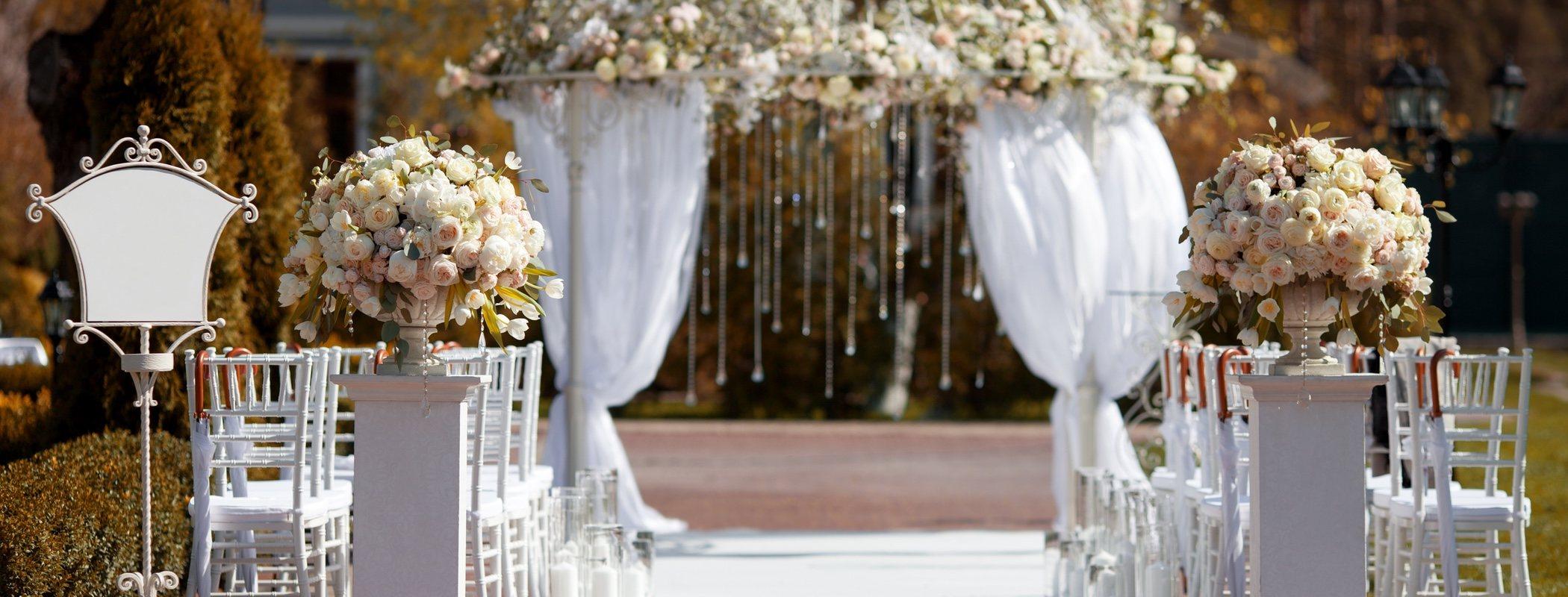 Mi expareja me ha invitado a su boda: ¿Voy o no?