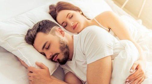 Cómo comportarte cuando duermes por primera vez con tu pareja