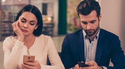 Mi pareja no comparte fotos nuestras en las redes sociales. ¿Se avergüenza de mí?