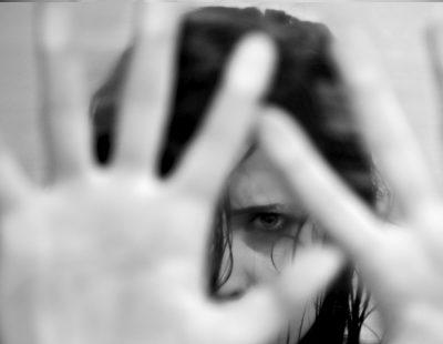 El novio de mi hija la maltrata: ¿Qué puedo hacer?