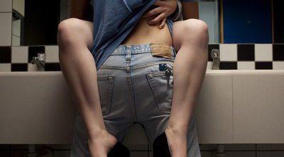 Sexo en el baño: Posturas y fantasías