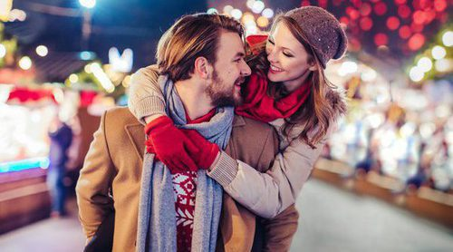10 frases de amor para conquistar a tu pareja en Navidad