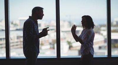 Mi pareja me ha dejado y trabajamos juntos: ¿Cómo lo afronto?